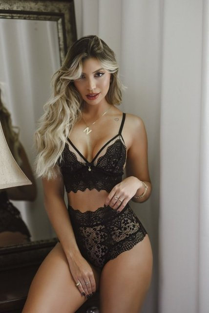 Conjunto Illusion Elegância com Hot Pant Black