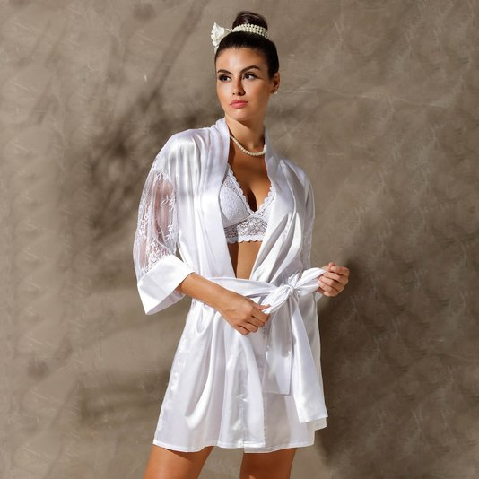 Robe em Cetim com Renda nas Mangas e Costas Branco